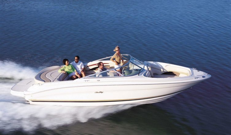 Buying Equipments from Reputed Water Ski Shops to Experience Unlimited Fun with Safe & Sound